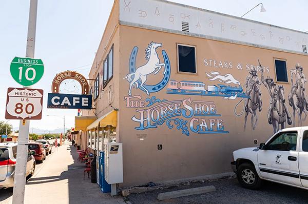 Horse Shoe Café